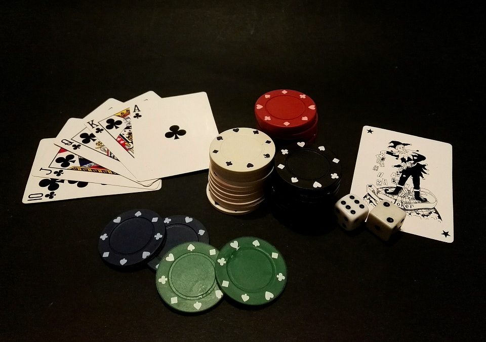 How Do You Make Money Playing Poker Online?